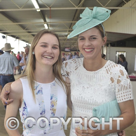 161022_SR20257 - At the 2016 Isisford Races